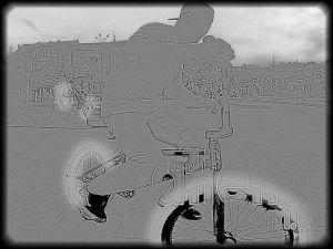 velosipedisti-dva-seroe